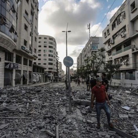 Gazan street to the hospital